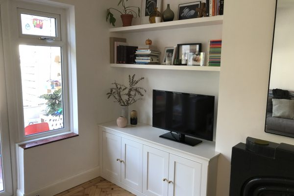 6. Tv Unit in white